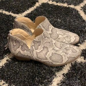 Booties snakeskin Kenneth Cole Reaction